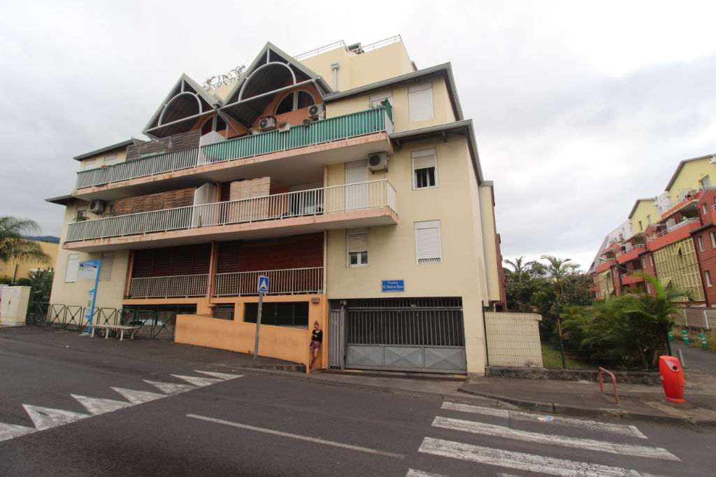 A VENDRE - SAINTE-CLOTILDE - APPARTEMENT T2