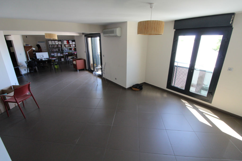 A LOUER - Saint-Denis - Appartement T4