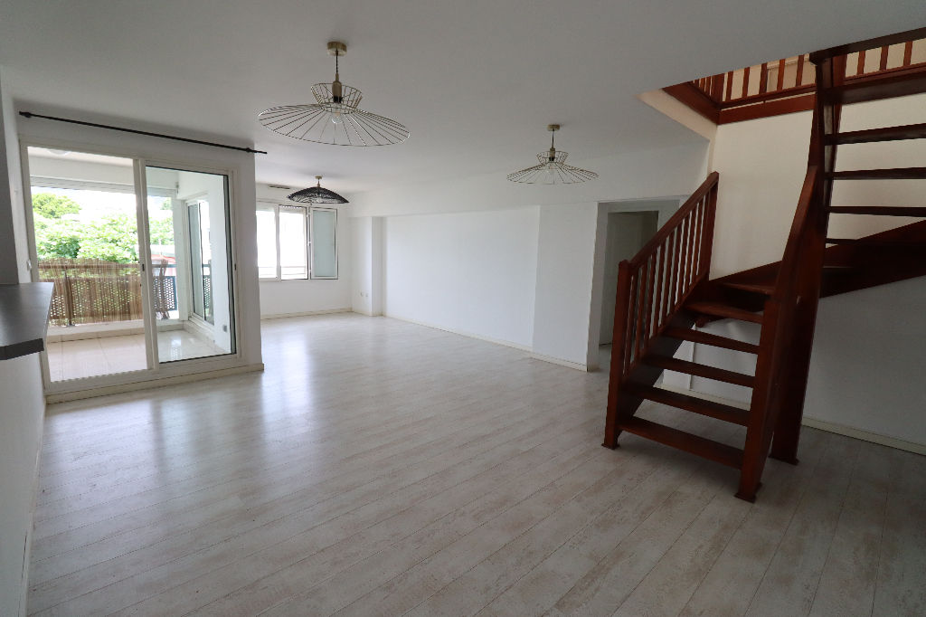 A VENDRE - Saint-Denis - Appartement T4 de 125 m2