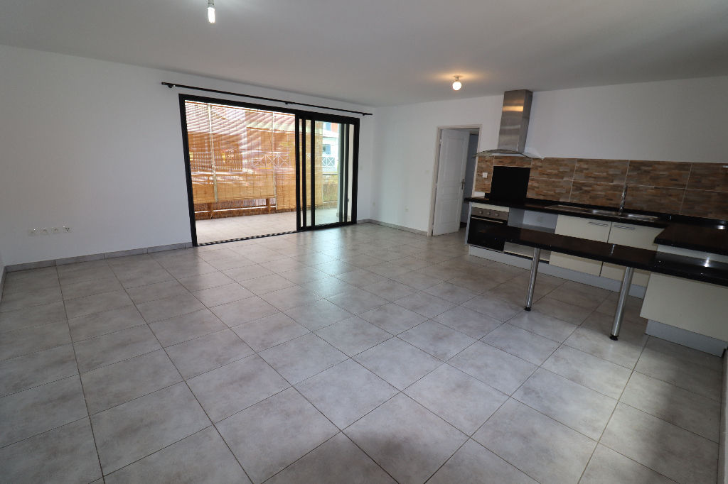 A LOUER - SAINT DENIS - Appartement T3